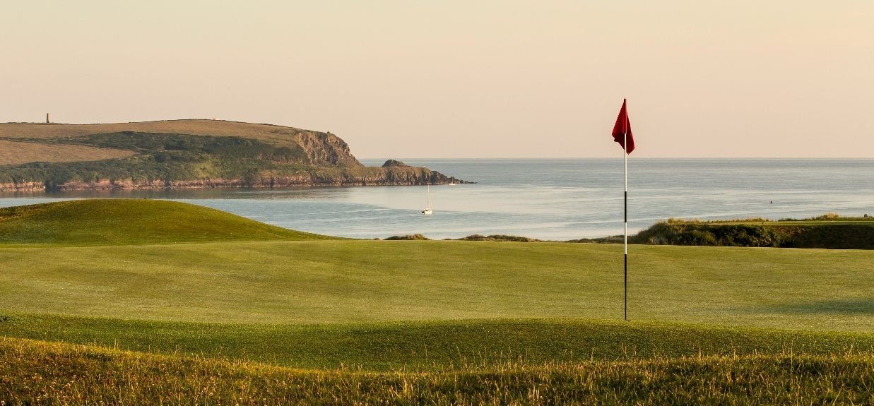 17th-green-of-church-course-at-st-enodoc-gc-stuart-morley