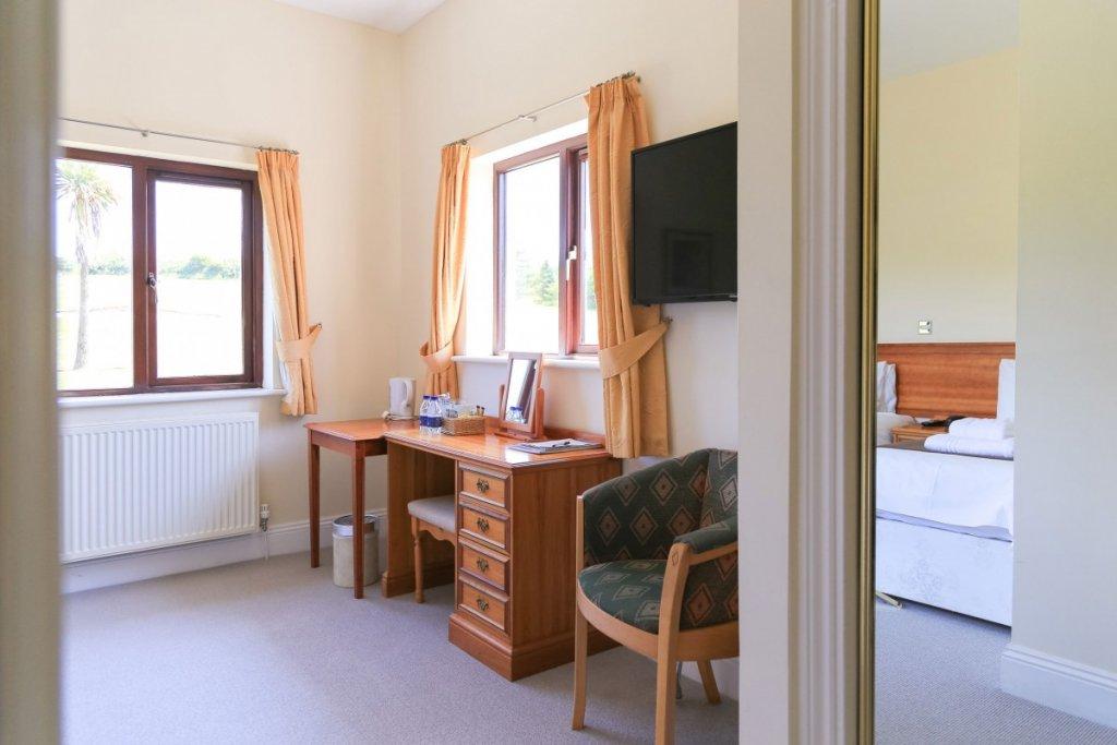 Bowood Park Room 2