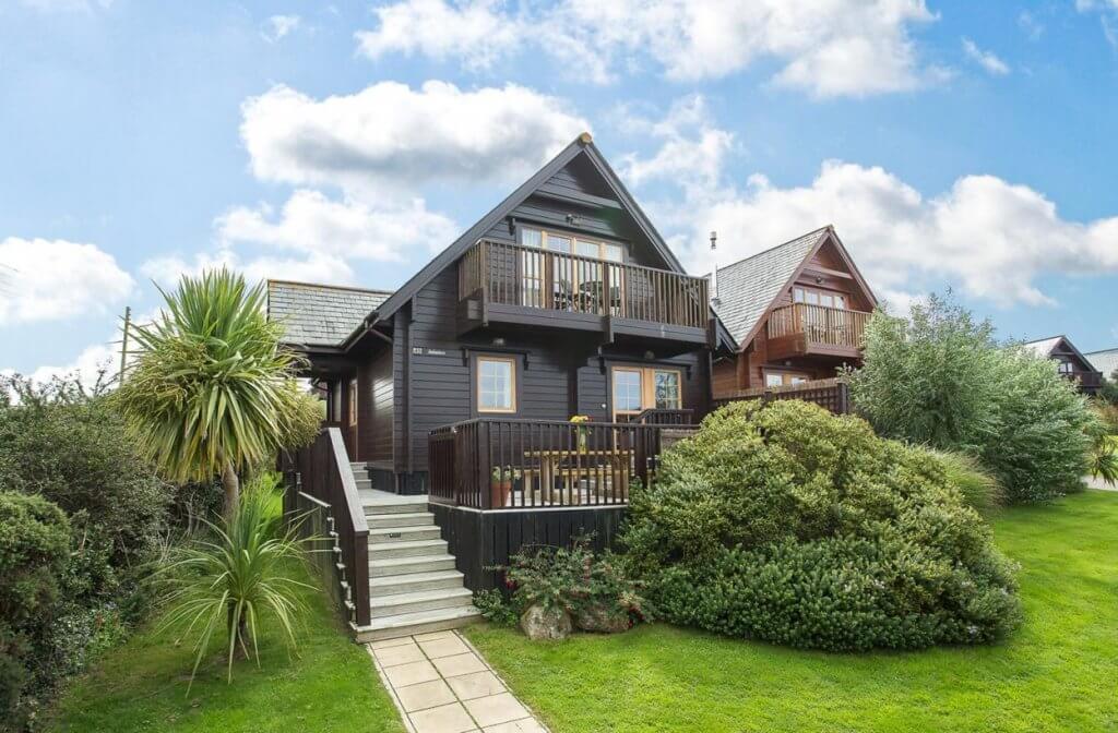 Gwel-an-Mor-Cornwall-Holiday-Resort-Tregea-Exterior