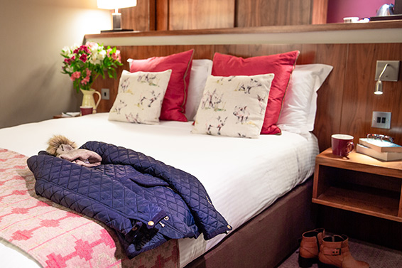 double-room-bedroom-lanhydrock-hotel
