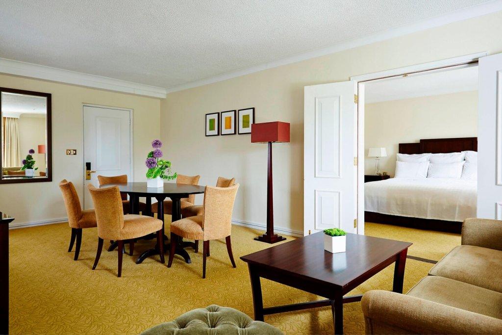 Tudor Park Hotel 1 bedroom suite