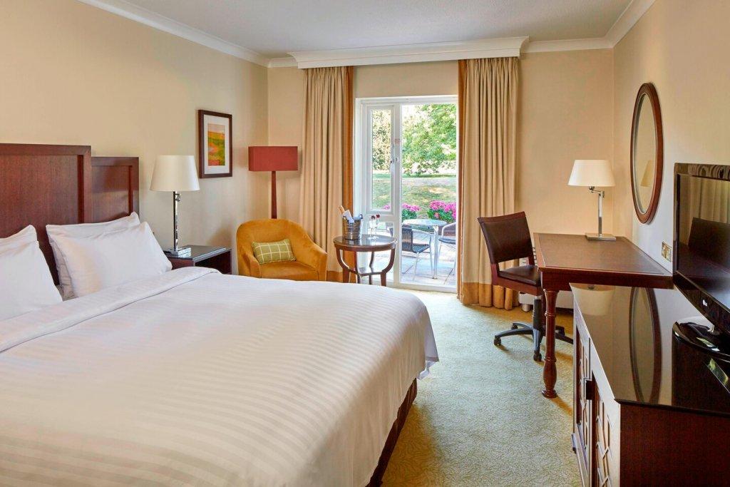 Tudor Park Hotel Superior Terrace Guest Room