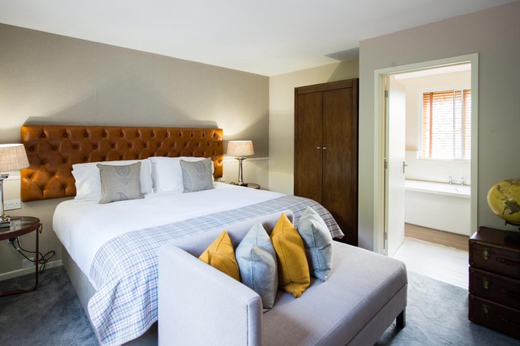 belfry brab-lodge-bedroom